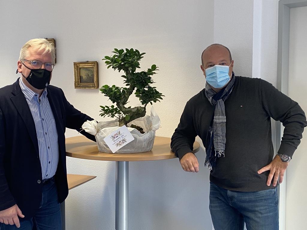 Ein Baum der CDU für Bürgermeister Dr. Bernd Blisch